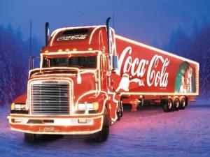 Российские дороги колесит караван Coca-Cola