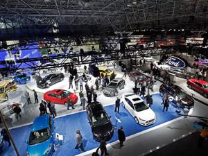 International Auto Show 2013 – мощность и роскошь