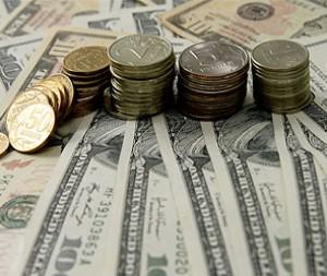 курс американского доллара к рублю достиг