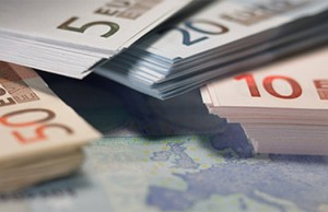 снижению курса Евро