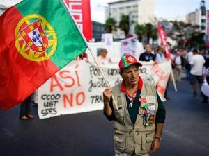 Португалия снова просит помощи в кризисе
