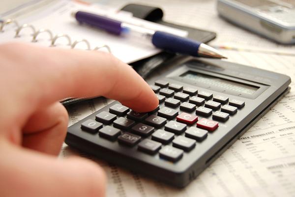Чиновники предлагают продлить льготы на оплату страховых взносов