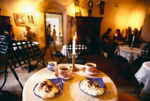 В один день в Петербурге открылись сотни новых ресторанов