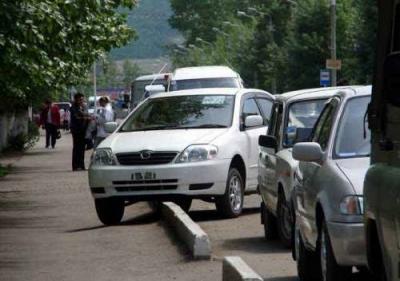 Столичный мэр обеспечил бесплатную парковку дипломатам и многодетным семьям