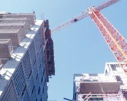 Россия почти догнала РСФСР по объемам строительства жилья, но дальше ожидается спад