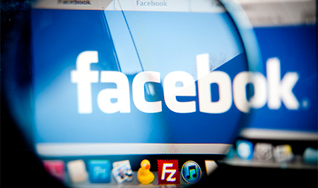Facebook удалил рекламу курительных смесей