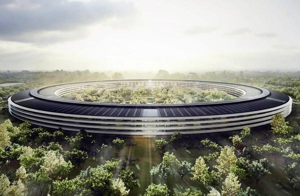 Apple показала финальную модель штаб-квартиры в виде корабля: «приземлится» посреди фруктового сада