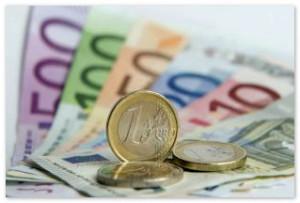 Евро впервые в истории превысил отметку 48 руб.