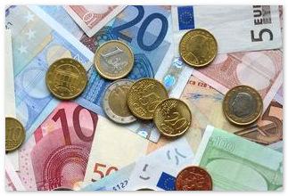 Курс евро вырос до исторического максимума