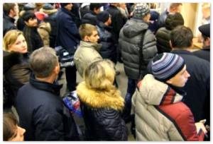 Смольный признал, что тысячи петербуржцев потеряют работу