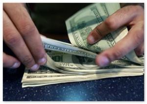 В марте россияне потратили на покупку валюты ,3 млрд.