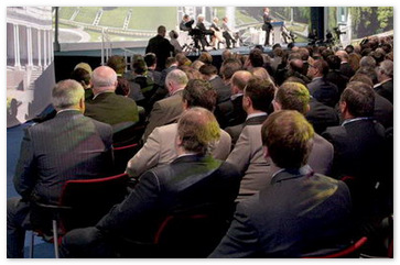 Петербургские топ-менеджеры рассказали, чем занимаются на форумах