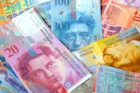 Эксперты рассказали о самых надежных мировых валютах