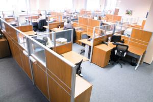 Где создается лучшая офисная мебель на заказ?