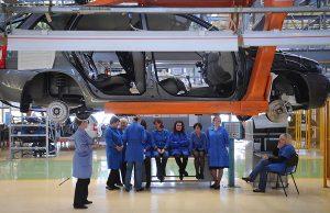 Сотрудникам «АвтоВАЗа» повысят зарплату