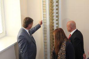 Олег Фурсов остался недоволен качеством отделочных работ  ДК «Нефтяник»