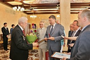 Мэр города поздравил с 80-летием Почётного гражданина Самары