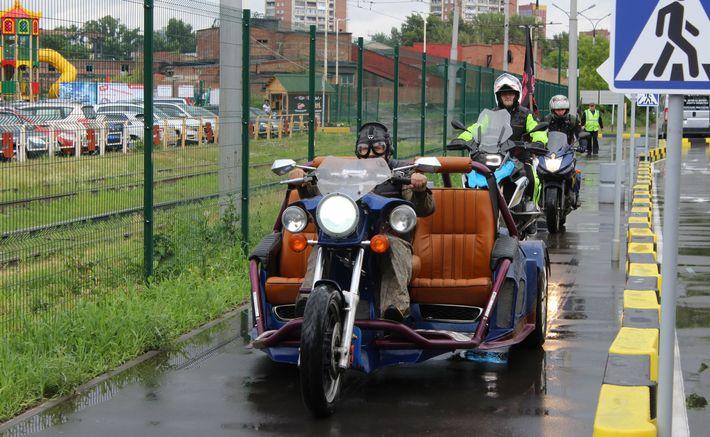 В  День города-2017 сотрудники ГИБДД напомнили  детям о поведении на дорогах