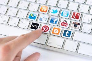 Чиновникам разрешат не отчитываться об аккаунтах в соцсетях