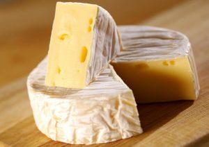 В Самаре уничтожили 6 кг санкционного сыра