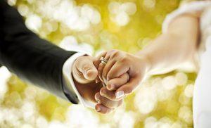 82% молодых людей в России вступают в брак по любви