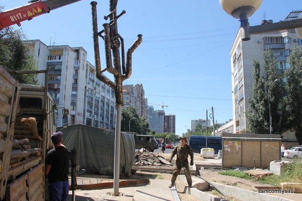 В Самаре устанавливают «Дерево жизни»