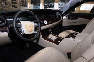 Владимир Путин одобрил прототип нового российского лимузина
