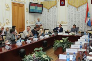 Олег Фурсов: необходимо простимулировать самарское бизнес-сообщество выплачивать налоги вовремя