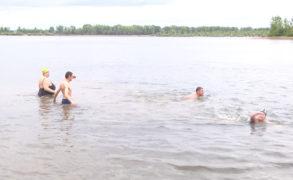 Моржи Татарстана открыли сезон в Елабуге