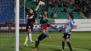 «Крылья Советов» обыграли «Локомотив» со счётом 3:2 и вышли в 1/8 финала Кубка России.