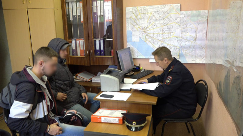 Костромские студенты опять затоптали Вечный огонь, грея ноги