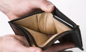 8 привычек, которые не дают вылезти из бедности