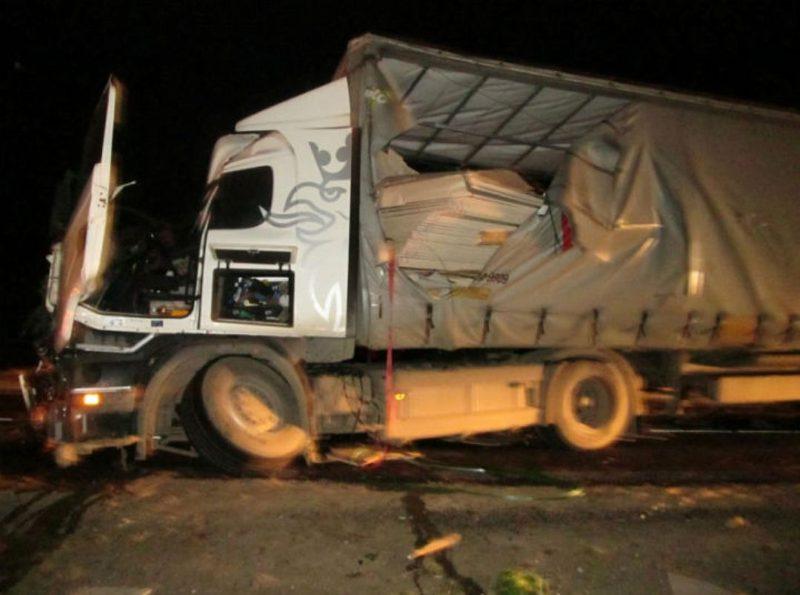 Водитель грузовика из Костромы погиб  во время столкновения трех большегрузов