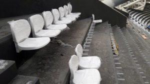 На стадионе «Самара Арены» начали устанавливать кресла для зрителей