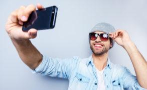 Любовь к селфи и телефону – путь к хроническому стрессу