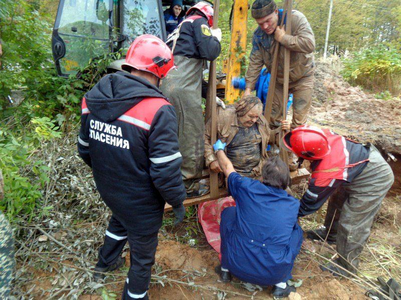 Срочно: костромского рабочего засыпало землей в котловане