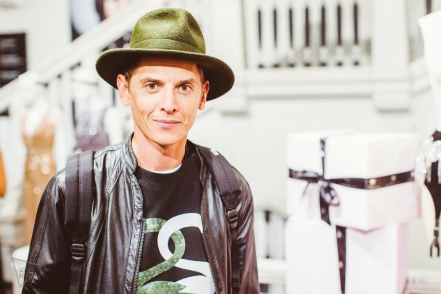 Известный стилист Влад Лисовец  в Костроме: о костромичках, пуховиках, начесах и  голубых сапогах
