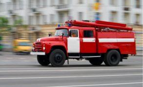 В Ростове-на-Дону пожар площадью 1000 квадратных метров охватил рынок