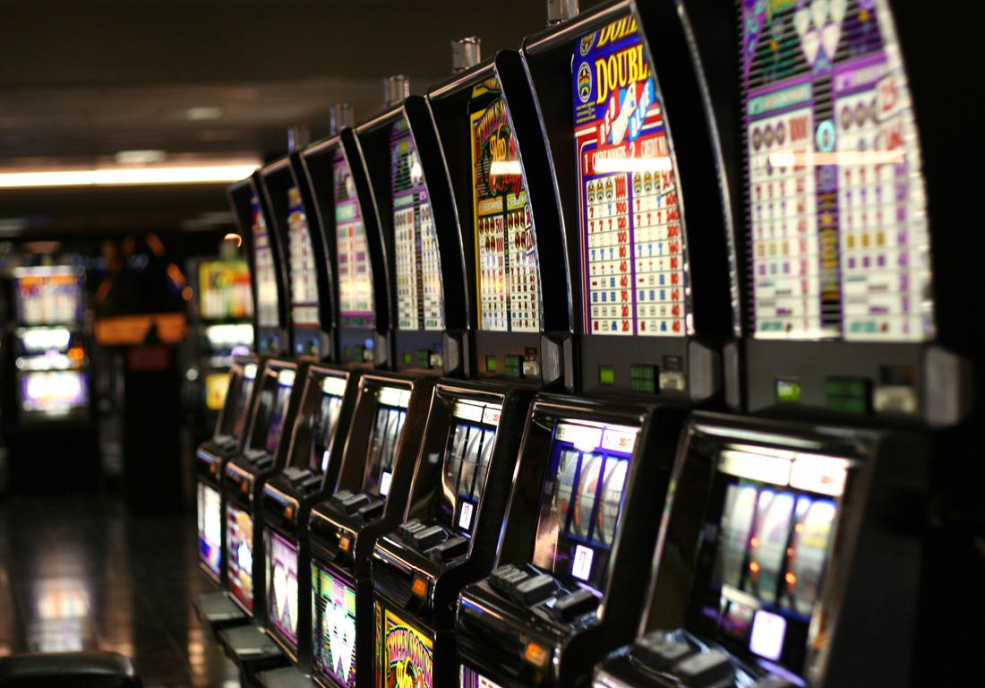 В Самаре нашли незаконное казино в торговом павильоне