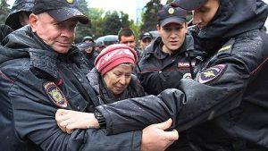 В Самаре на митинге в поддержку Навального задержали пять человек