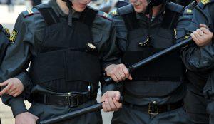 В Оренбурге на полицейских завели уголовное дело за избиение самарских болельщиков