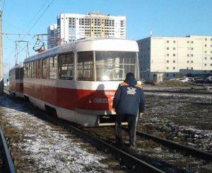Трамвай сошёл с рельсов на Ташкентской улице в Самаре