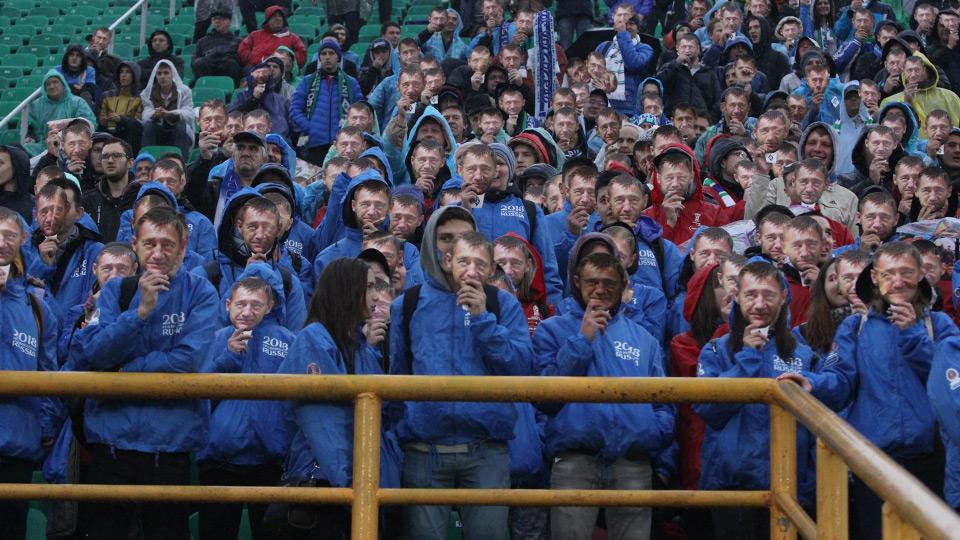 Самарские болельщики поздравили Андрея Тихонова с наступающим днём рождения