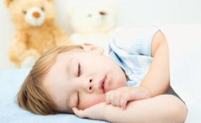 Ученые узнали об опасностях детского храпа