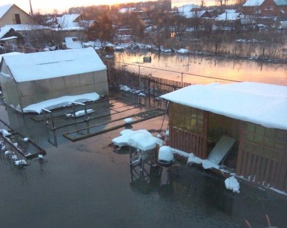 Село Русская Борковка в Самарской области затопило канализационной водой